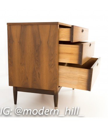 Mainline by Hooker 3 Drawer Dresser Chest of Drawers Nightstands - Matching Pair