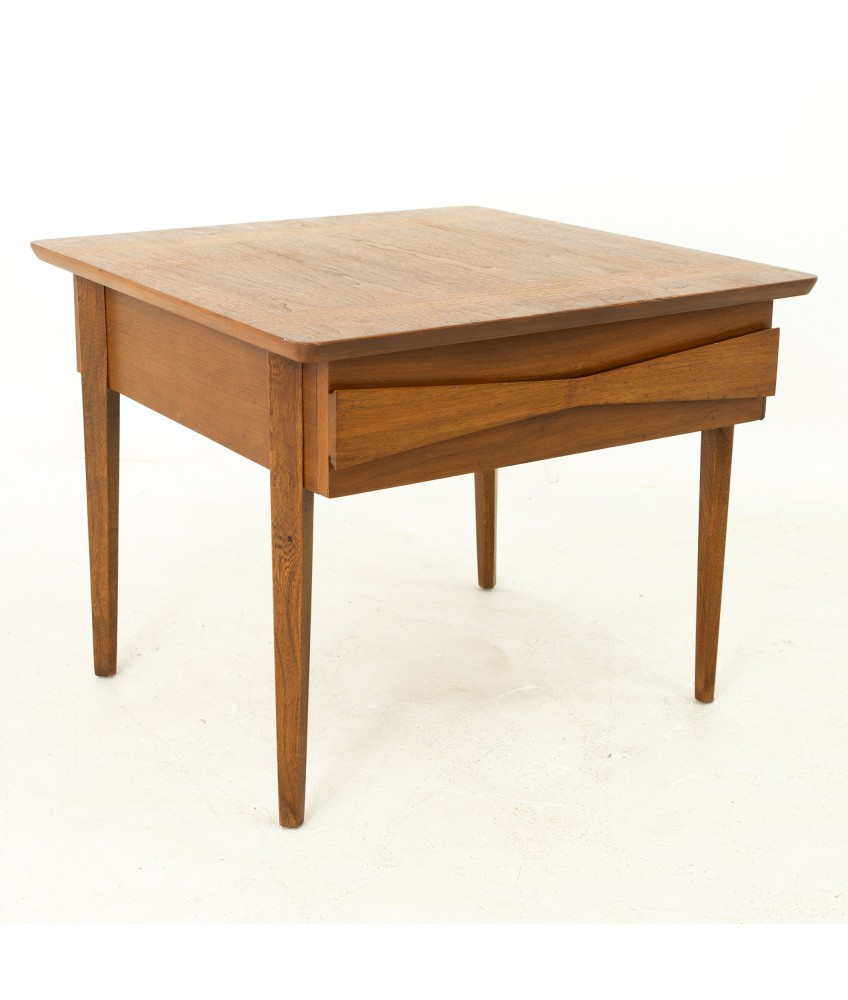 Albert Parvin For American Of Martinsville Style Mid Century Walnut Side End Table