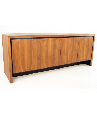 Milo Baughman for Dillingham Mid Century Bookmatched Walnut Sideboard Buffet Credenza