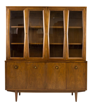 American of Martinsville Diamond China Cabinet