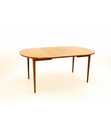 Kipp Stewart for Drexel Declaration Mid Century Expanding Round Walnut Dining Table with 2 Leaves