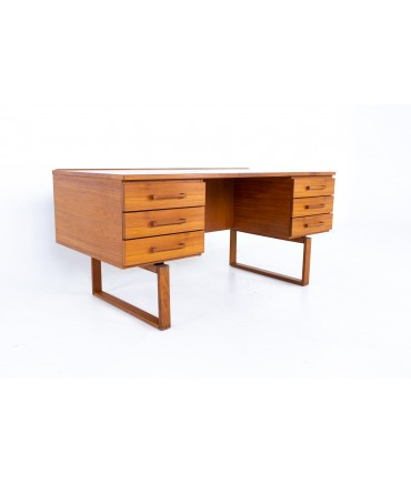Henning Jensen and Torbin Valeur Mid Century Teak Executive Display Desk