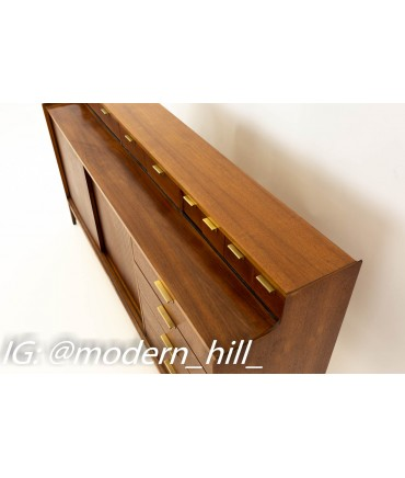 Arthur Umanoff for Cavelier Mid Century Walnut Buffet Sideboard Credenza